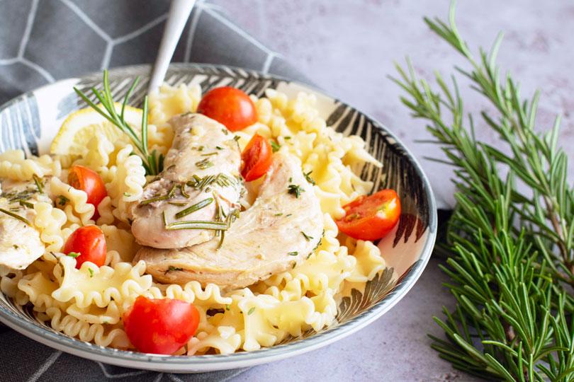 recette Pâtes et poulets aux herbes
