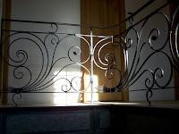 """<img src=""""rampe d'escalier.jpg"""" alt=""""rampe d'escalier""""/>"""