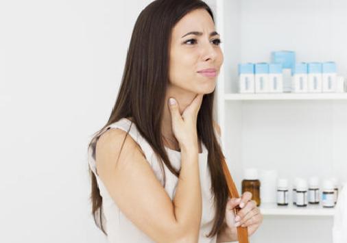 Gejala Radang Tenggorokan & Cara Menyembuhkan dgn Obat Alami