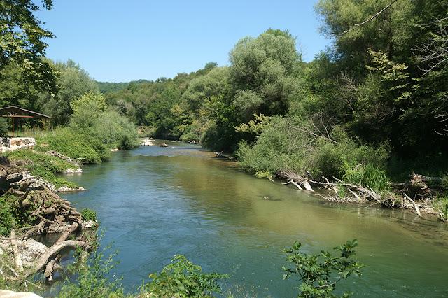 Θεσπρωτία: Πόλος έλξης ξένων τουριστών ο ποταμός Καλαμάς!