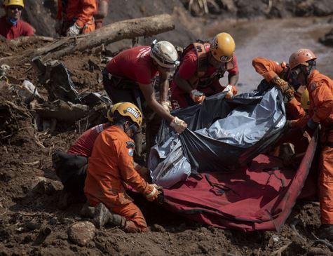 Vale divulga lista com nomes de 114 mortos identificados em Brumadinho
