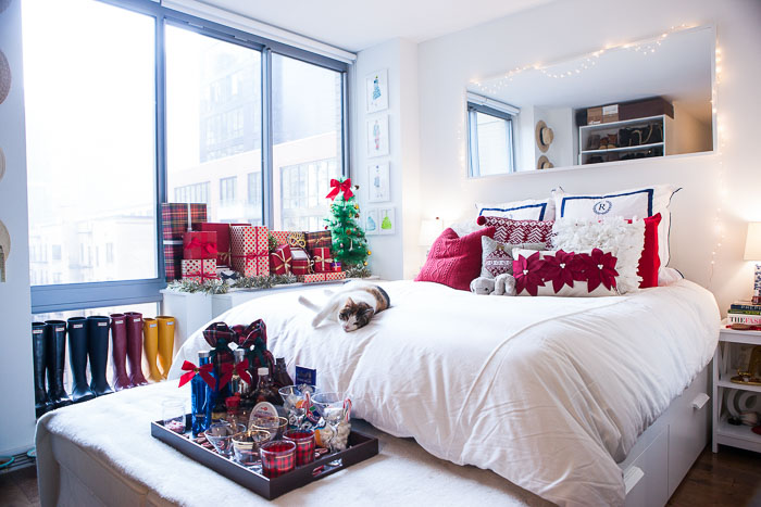 tips for decorating small spaces during the holidays popular new