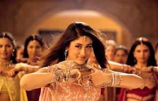 Actriz de bollywood bailando