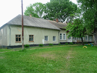 Руда. Школа на території колишньої панської садиби