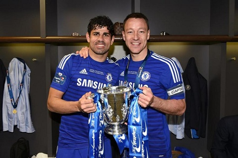 Diego Costa giành danh hiệu đầu tiên cùng Chelsea sau khi đánh bại Spurs tại chung kết FA Cup.
