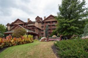 Gatlinburg Hotel Bearskin Lodge