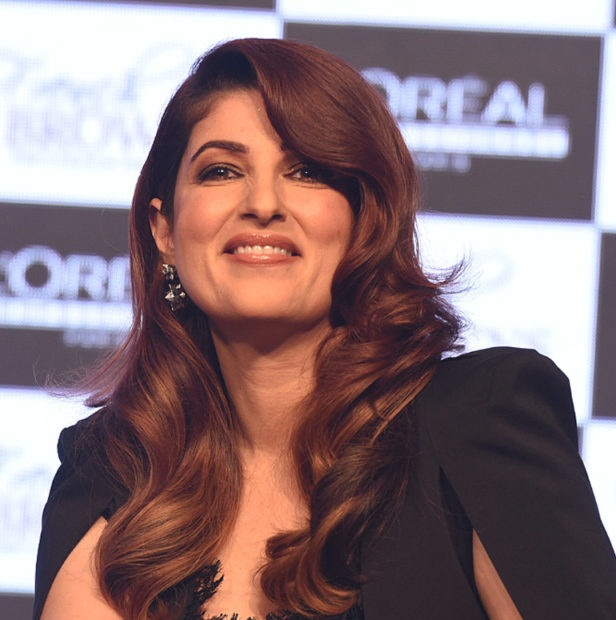 Actress Twinkle Khanna Looks Incredibly In This All Black Ensemble