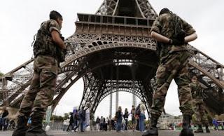 """Ανησυχία στη Γαλλία για την """"εσωτερική"""" απειλή, δύο χρόνια μετά τις επιθέσεις"""