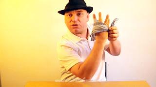 Manualidades y trucos con nudos en el pañuelo 09