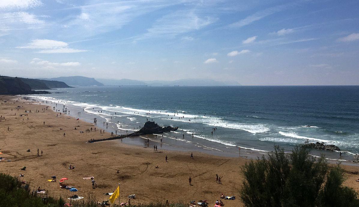 sopela playa olas