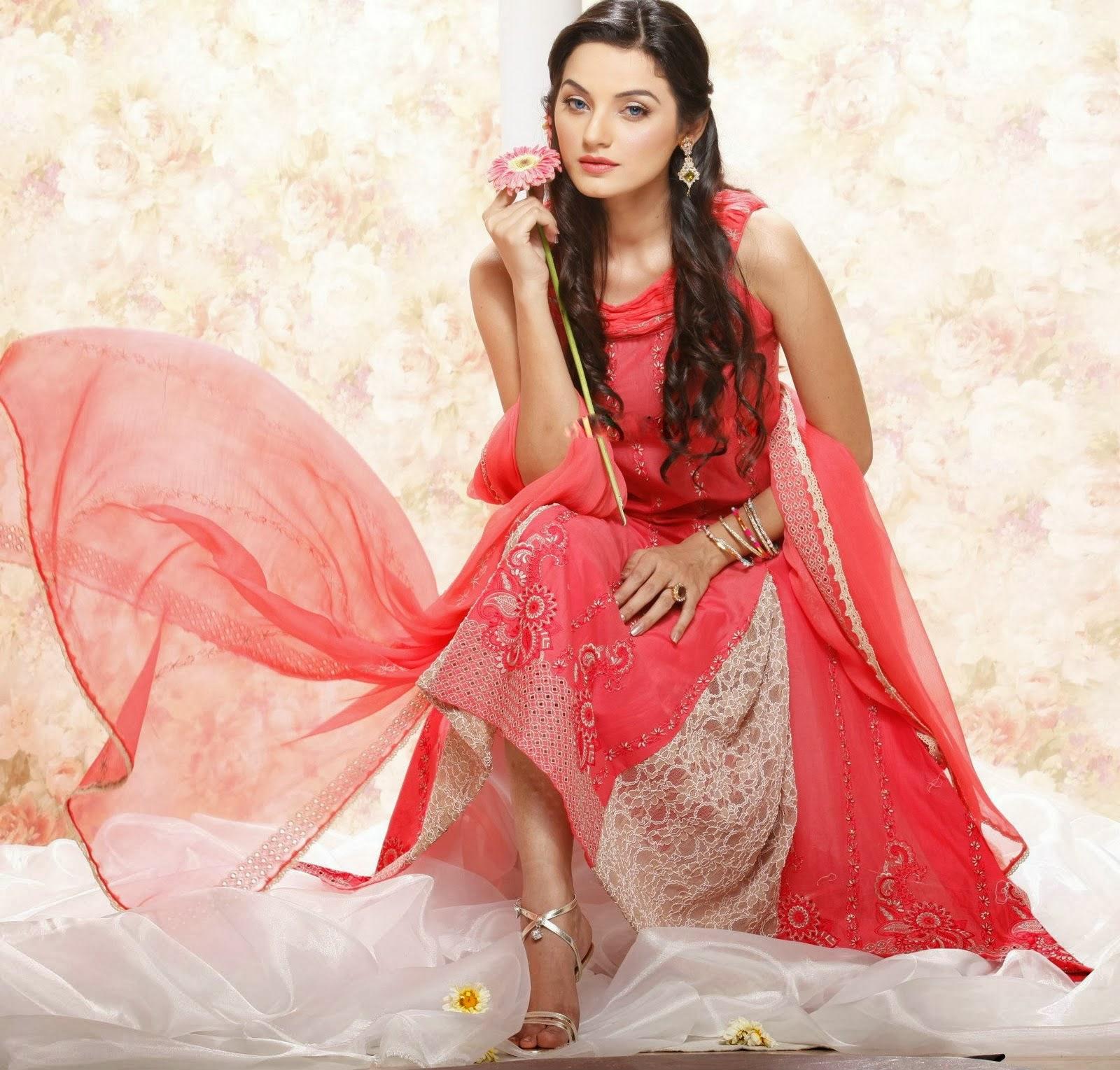 Pakistani Model Sadia Khan Hot Modeling Pics - Fashions Addres-3085