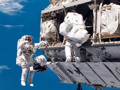 hazards of being an astronaut - photo #46