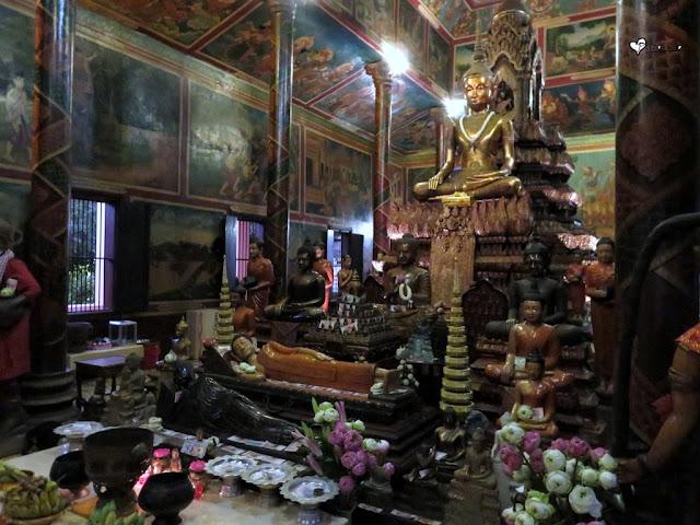Buda obučen kao kmerski kralj