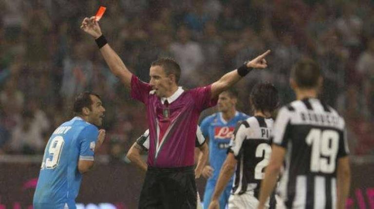 Scandalo arbitraggio Napoli-Juve in Coppa Italia