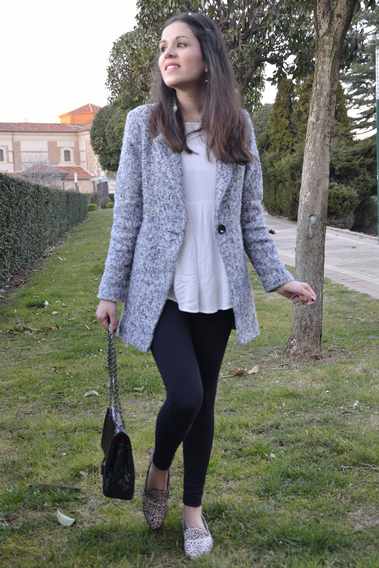 look-blogger-gris-blanco-negro-print-animal-outfit-trends-gallery