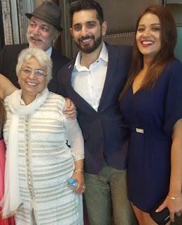 Foto Siddhant Karnick dengan Keluarganya
