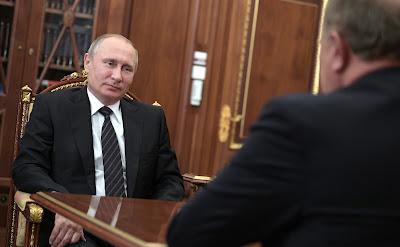 Vladimir Putin, Gennady Zyuganov in Kremlin.