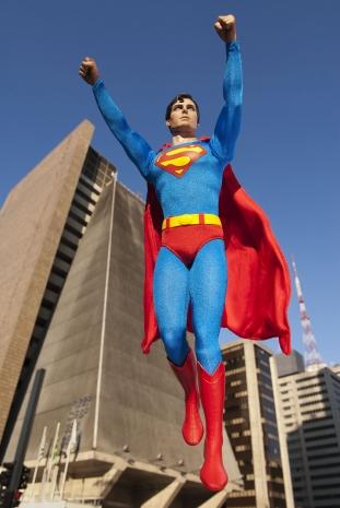 Especial: Fotografa flagra super-herois pela cidade 15