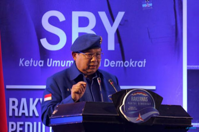 SBY Beri Waktu Roy Suryo 7 Hari buat Balikin Barang Milik Negara