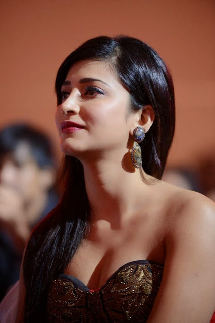 Shruti-Hassan-Gorgeous-Actress-Photo