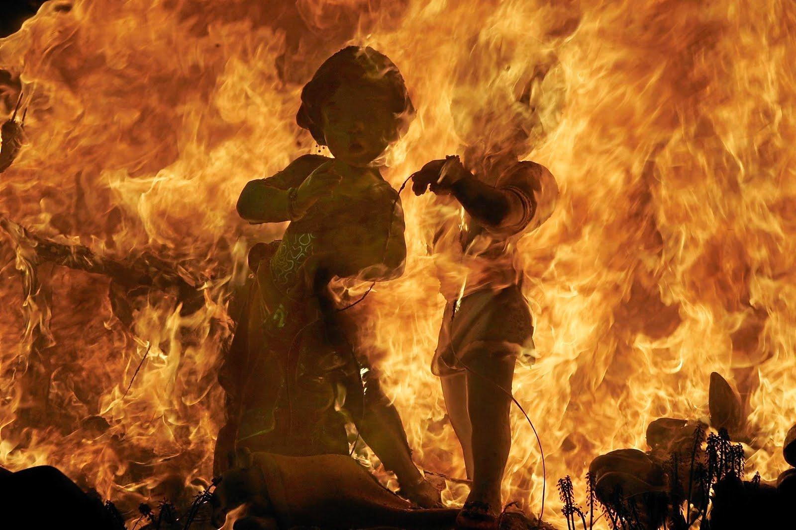 Resultado de imagen de falla de san juan ardiendo