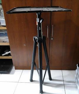 "Sewa Standing LCD Projector - "" Hawila Multimedia"""