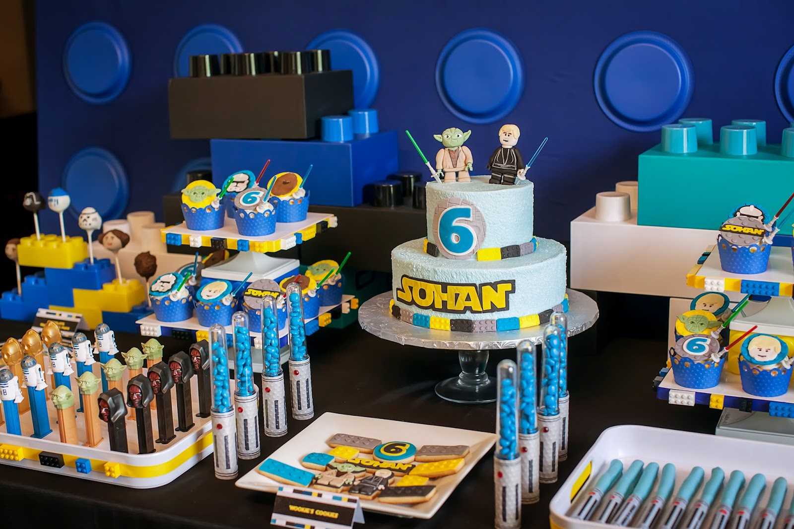 The Party Wall Legos And Lightsabers A Lego Star Wars