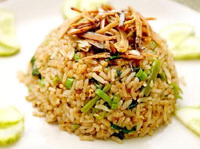 cara memasak nasi goreng ikan asin yang enak ala resto
