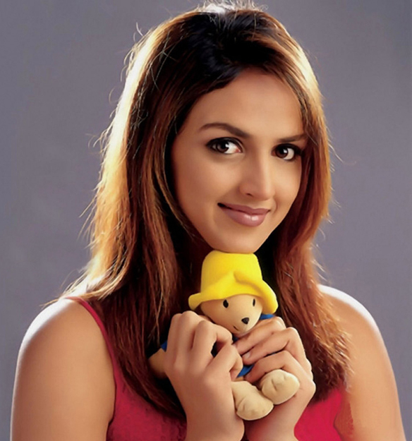 Koi Ouche Mere Dil Se Original Name: Bollywood: Esha Deol Profile, Bio, Photoes And Wallpapers 2011