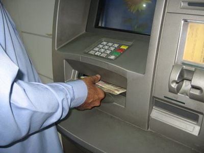 FG warns Nigerians: 'Beware, armed robbers disguise as ATM users at night'