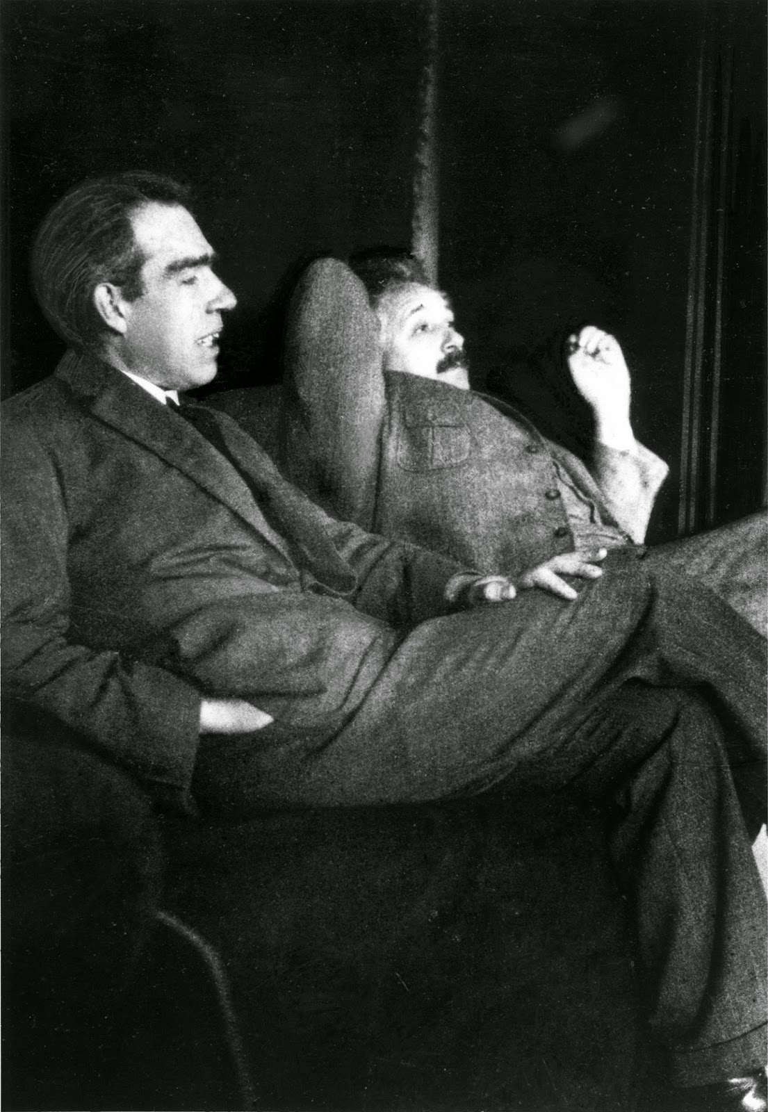 Ultimate Collection Of Rare Historical Photos. A Big Piece Of History (200 Pictures) - Niels Bohr and Albert Einstein