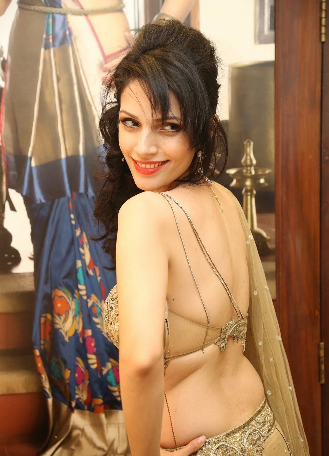 Cleavage Clara Bindi nudes (58 fotos) Feet, Twitter, cameltoe