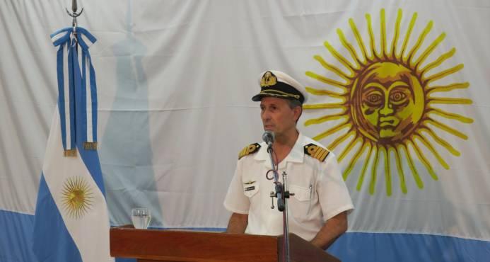 Zarpa buque con minisubmarino para participar en la búsqueda del ARA