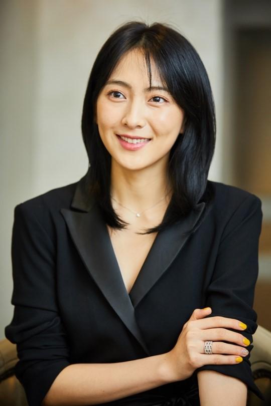 Kang Jiyoung talks about her d...