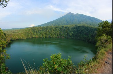 Danau Tolire di Ternate maluku