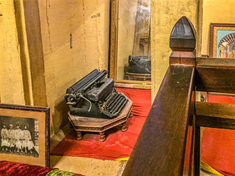 An old typewriter in Munim ji ka Kamna, used to prepare business documents