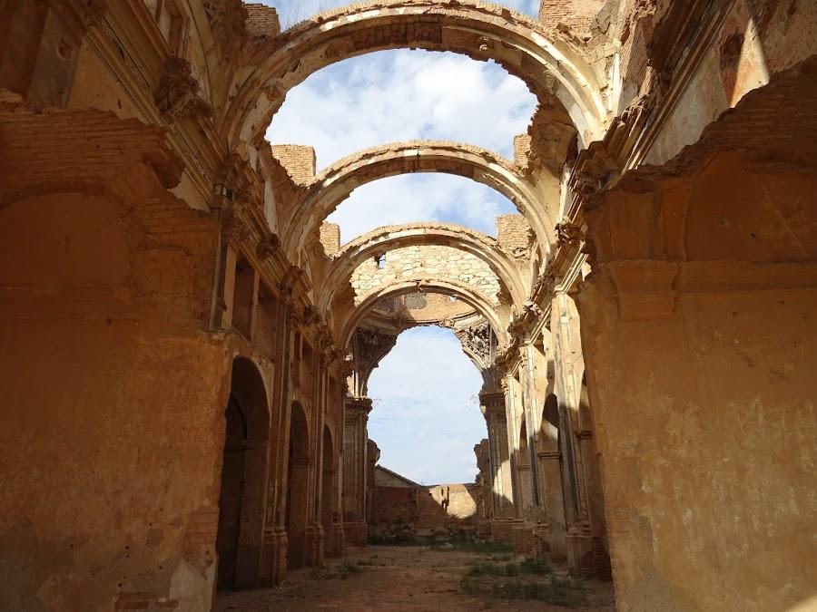 Vista interior del Convento de San Agustín, Belchite