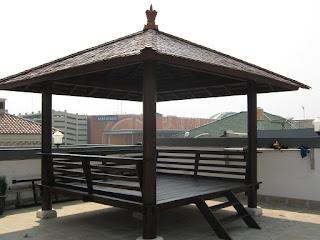 Gazebo Limas atap genteng