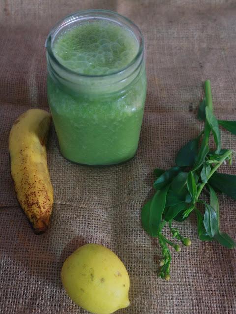 membuat sendiri green smoothie di rumah