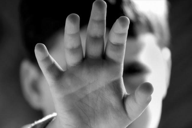 Φρίκη: Ανήλικοι βίαζαν 14χρονο ΑμΕΑ σε αποθήκη