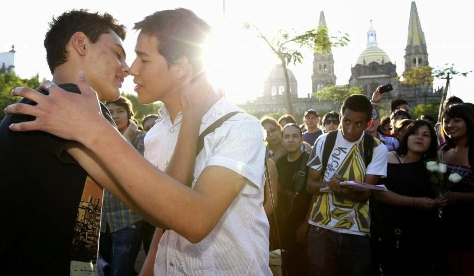 Ciudad gay, 3