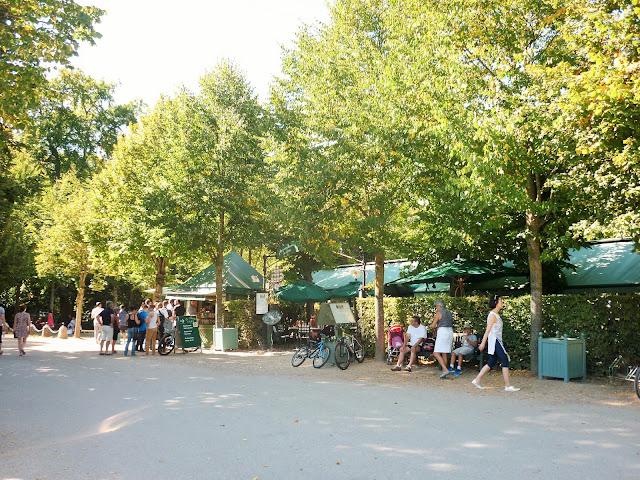 Parc du château de Versailles - la petite Venise - restaurant