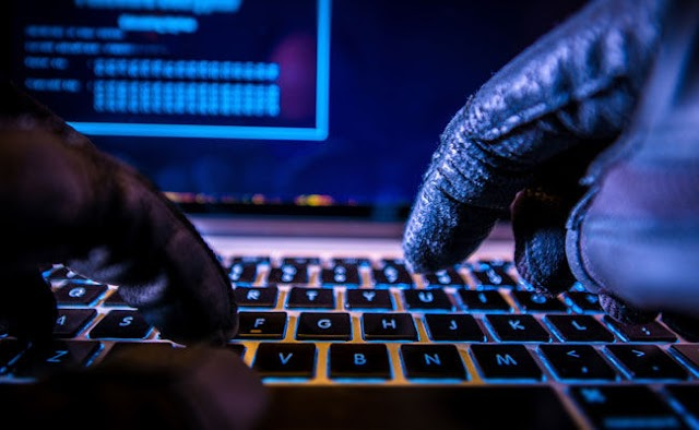 German Intelligence Chief Warns Of Political Cyberattacks