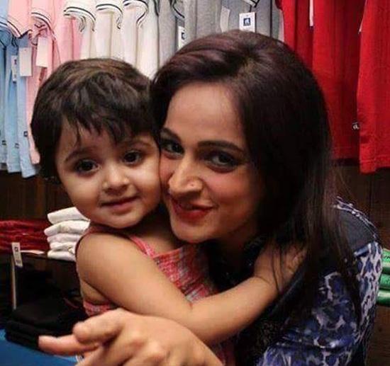 Noor with her daughter