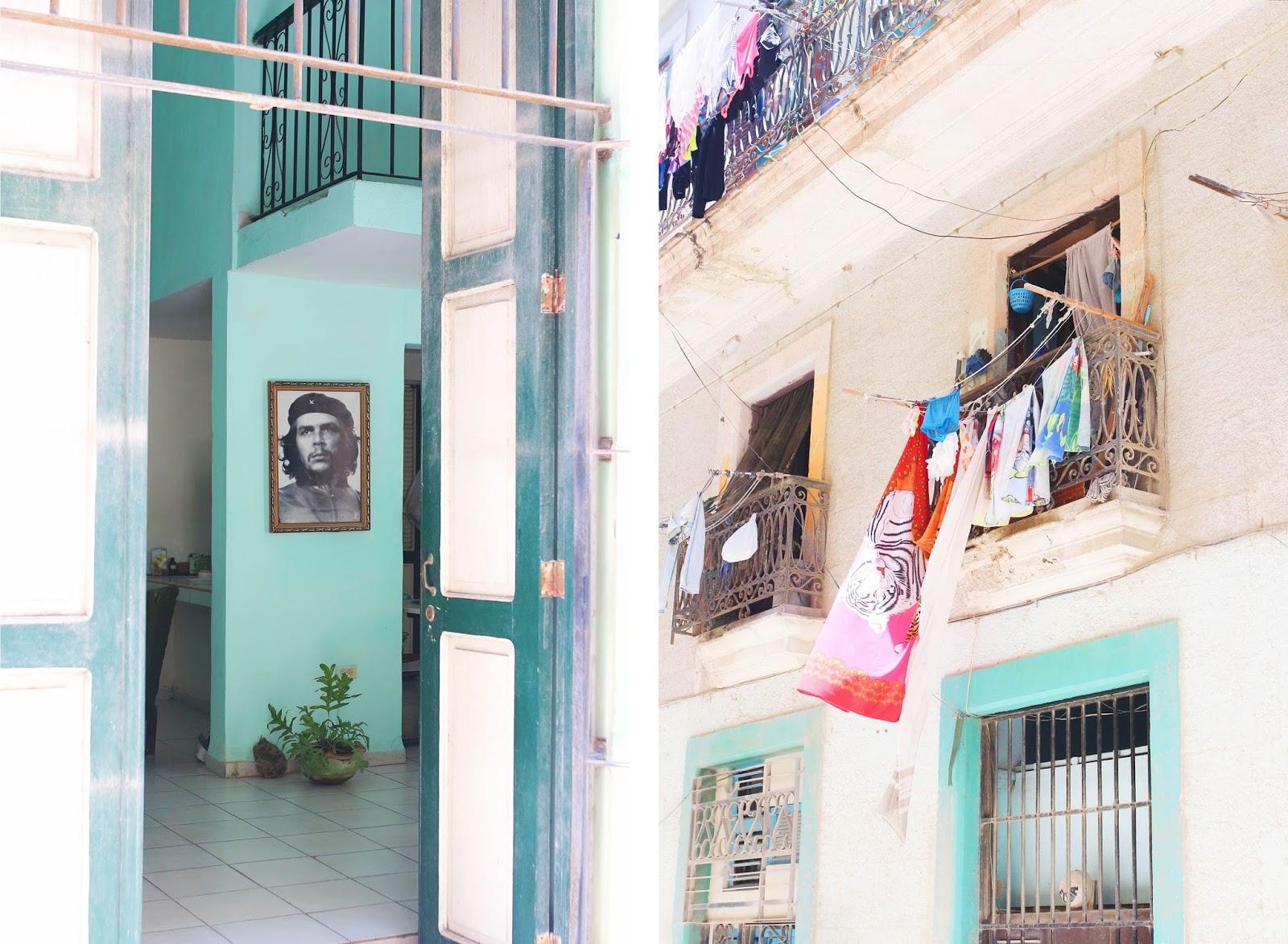 Portrait de Che Guevara et linge qui sèche aux fenêtres