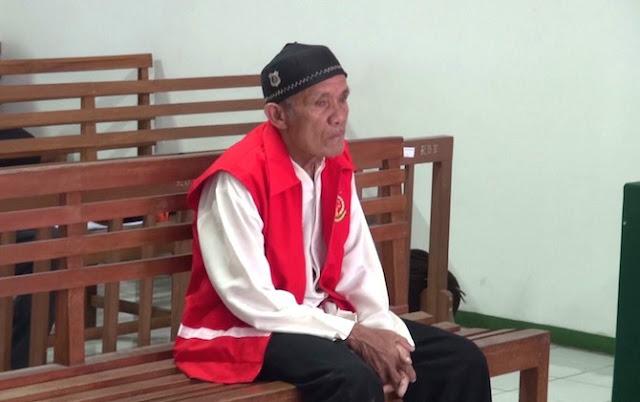 Kisah Pilu Kakek Pikun yang Dipenjarakan Menantunya Karena Uang 3 Juta