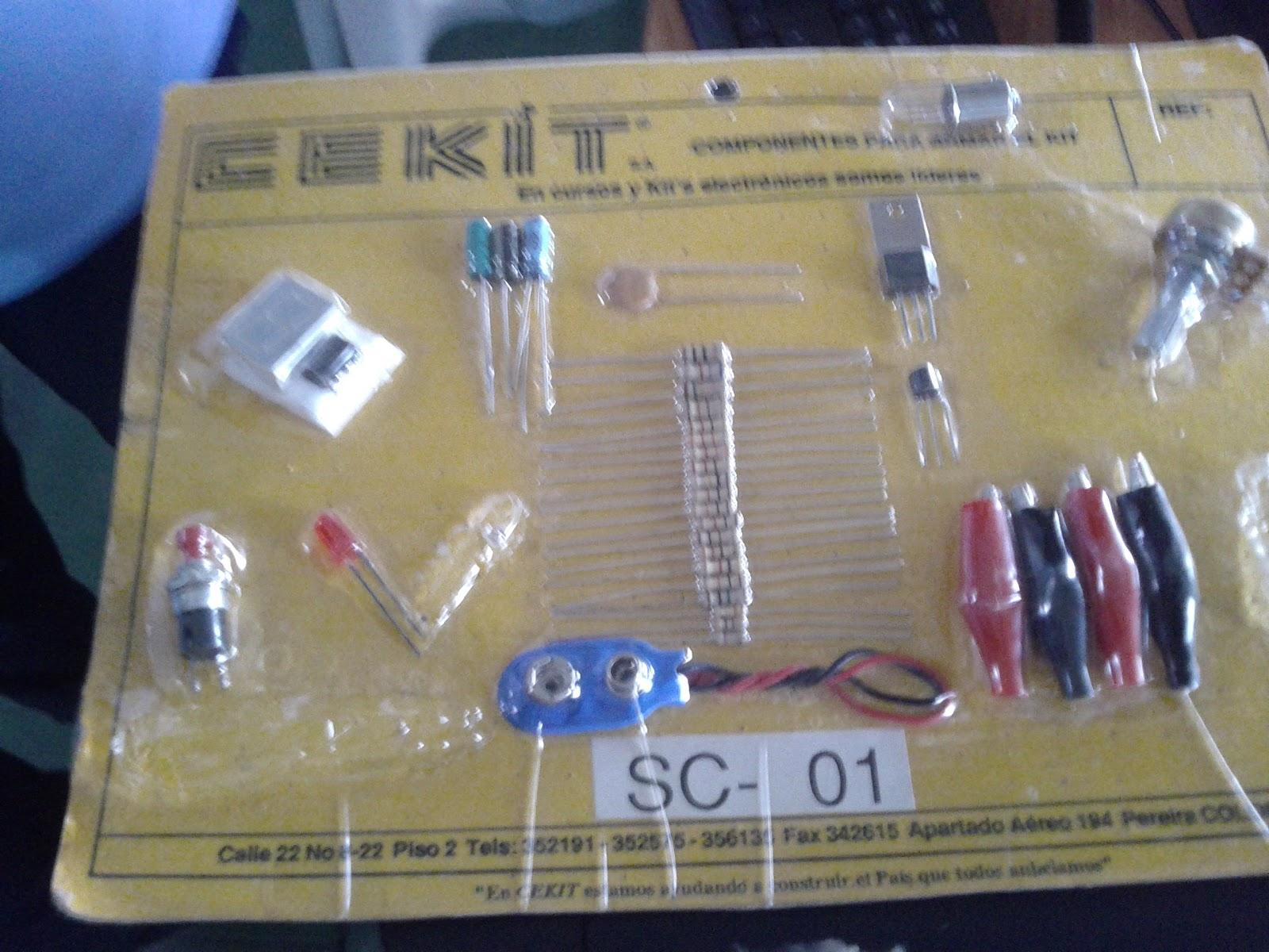 Kit de materiales para hacer experimentos de electrónica marca Cekit