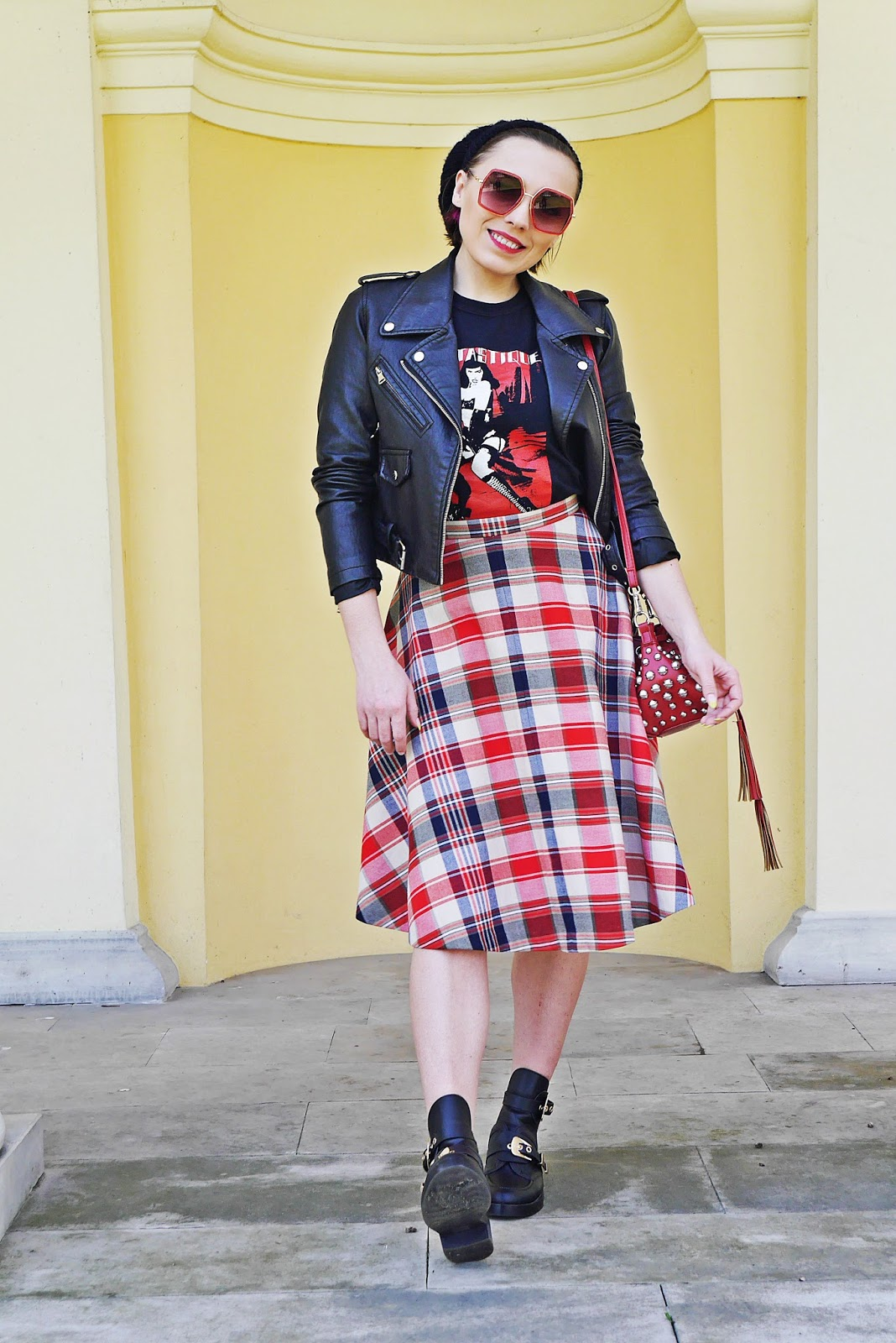 4_biker_jacket_plaid_skirt_balenciaga_cut_out_shoes_karyn_blog_modowy_120418