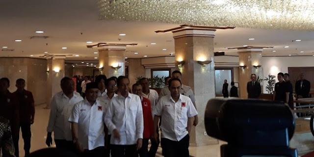 Jokowi persilakan publik demo kritik pemerintah asal sesuai aturan