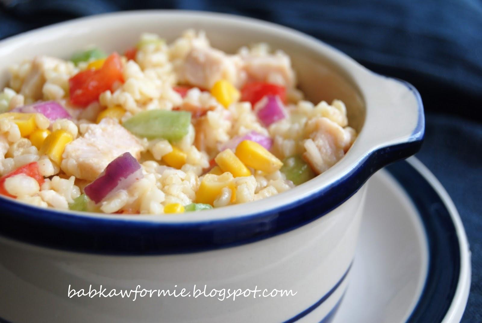 sałatka z kaszy bulgur z wędzonym kurczakiem i warzywami babkawformie.blogspot.com